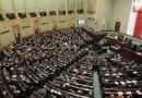 Diputados polacos aprueban en votación rebajarse el sueldo