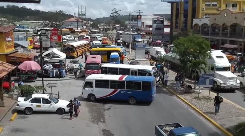 Transportistas anuncian paro nacional en todas sus unidades