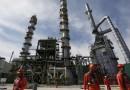 Lopez Obrador planea rescatar Pemex  ampliando campos petroleros