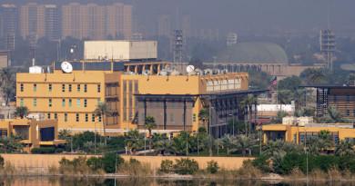 Impactan misiles lanzados este domingo contra sede de Embajada de EE. UU en Bagdad