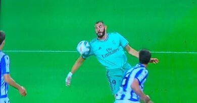 Cambio en reglas del fútbol permitirá anotar goles con parte del cuerpo antes prohibida